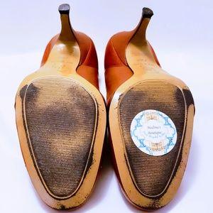 LOFT Shoes - Loft Leather Burnt Orange Pumps size 7.5M💋🦄